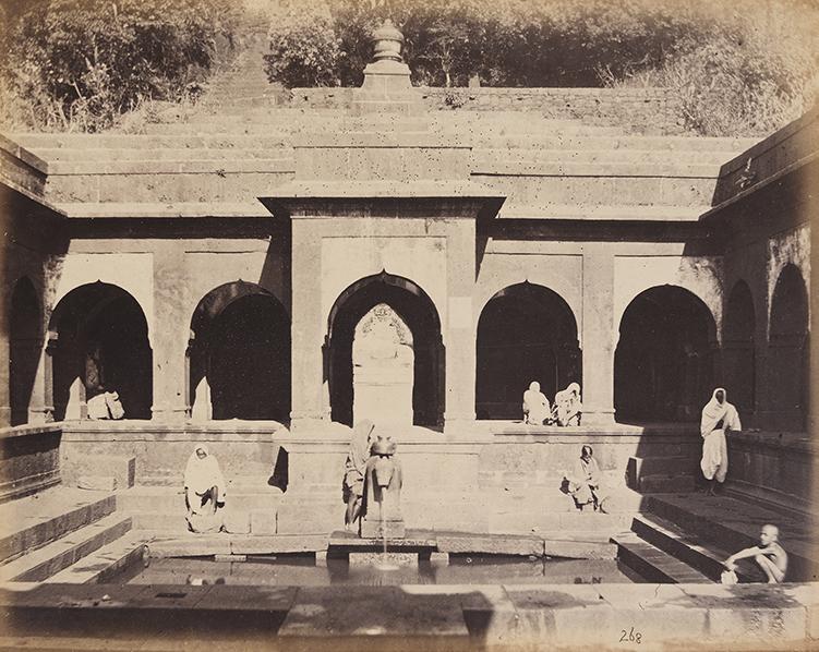 Temple_of_Siva_(Mahades),_Source_of_Chrisna._Mahabuleshwar._(12488633084).jpg