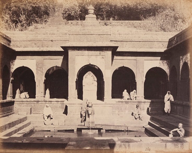 Temple_of_Siva_(Mahades),_Source_of_Chrisna._Mahabuleshwar._(12488633084).jpg